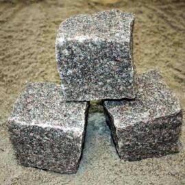 Chaussesten (Håndhugget Granit) Rød