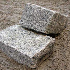 Brosten Håndhugget Granit Grå